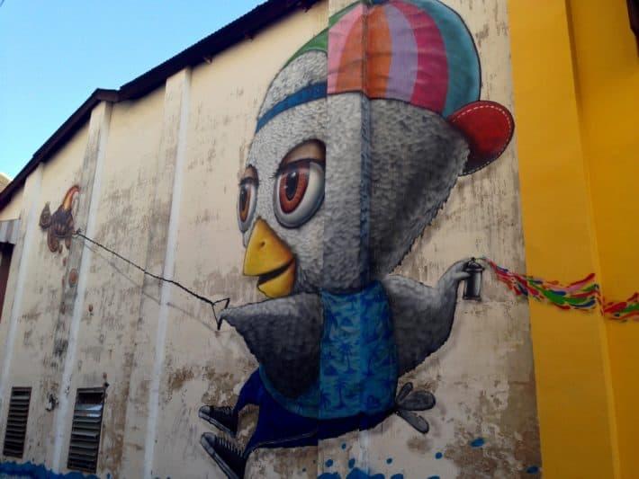 Streetart, Phuket Old Town, Thailand, Vogel, versprüht Farben
