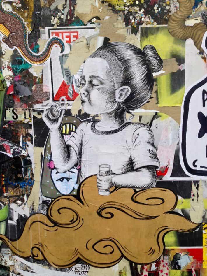Streetart, Berlin, Juni 2017, Kind, Seifenblasen, gesehen in der Niederbarnimstraße