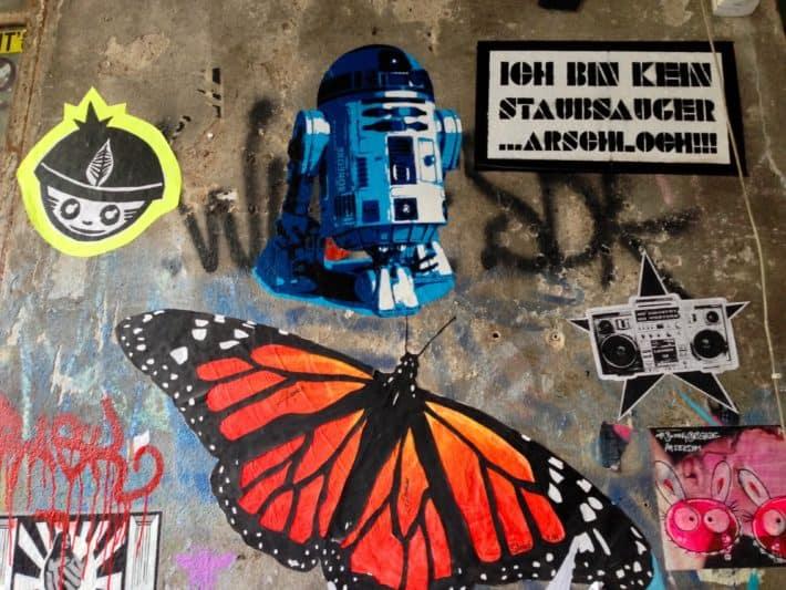 Streetart Juli 2017, Berlin, Wand, R2D2, Schmetterling, div. Motive