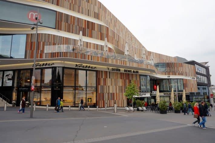 Minto, Einkaufszentrum in Mönchengladbach von außen, Fassade, schön, Erdtöne