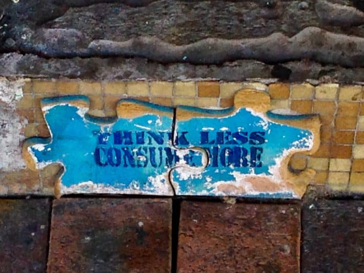 Streetart, Perth, Puzzlestücke, blau, braun, an Hauswand