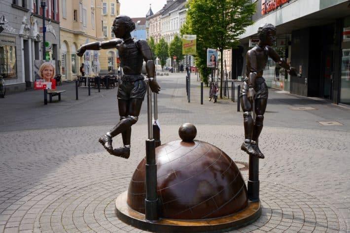 Fohlenelf. Bronzeskulptur der Herren Netzer, Wimmer, Vogts