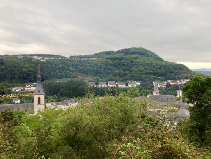 3. Etappe Hildegard von Bingen Pilgerwanderweg, Blick auf Kirn von oben