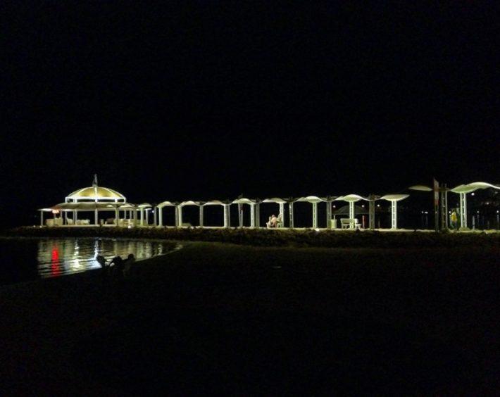 Nachts, totes Meer, Strandpromenade, Bericht über meine Schuppenflechte