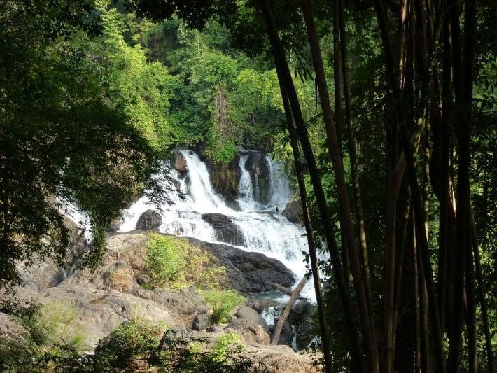 Wasserfall auf dem Weg nach Mae Hong Son