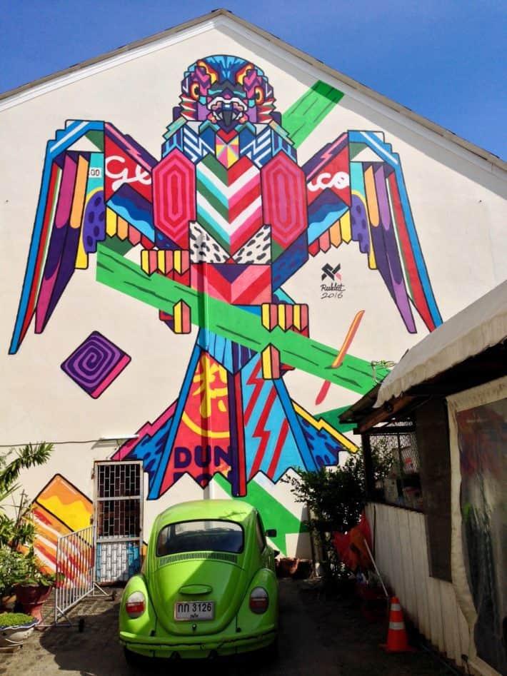 Streetart Thailand, Phuket Old Town, Phoenix, bunt, VW Käfer