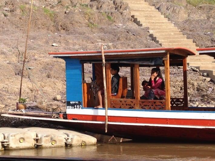 Laotisches Hausboot