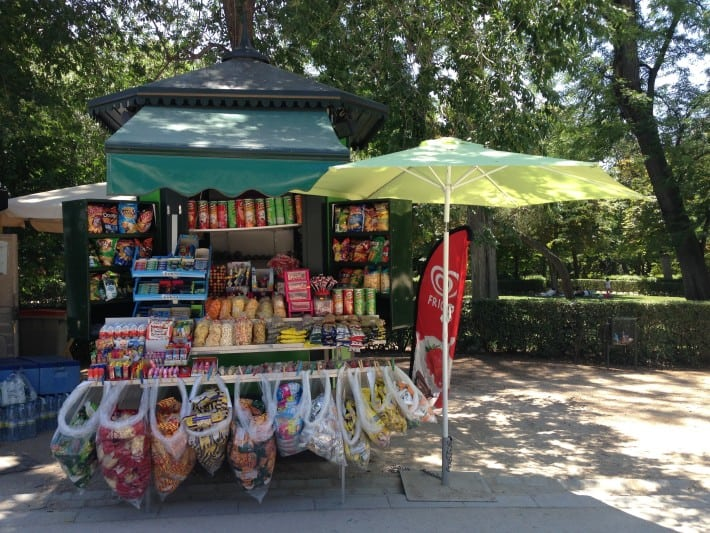 Kiosk im Retiro Park in Madrid