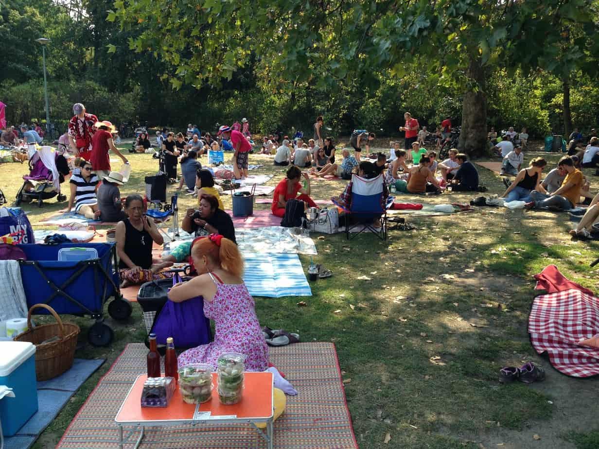 Preußenpark Berlin berlin picknick mit food auf der thaiwiese misses