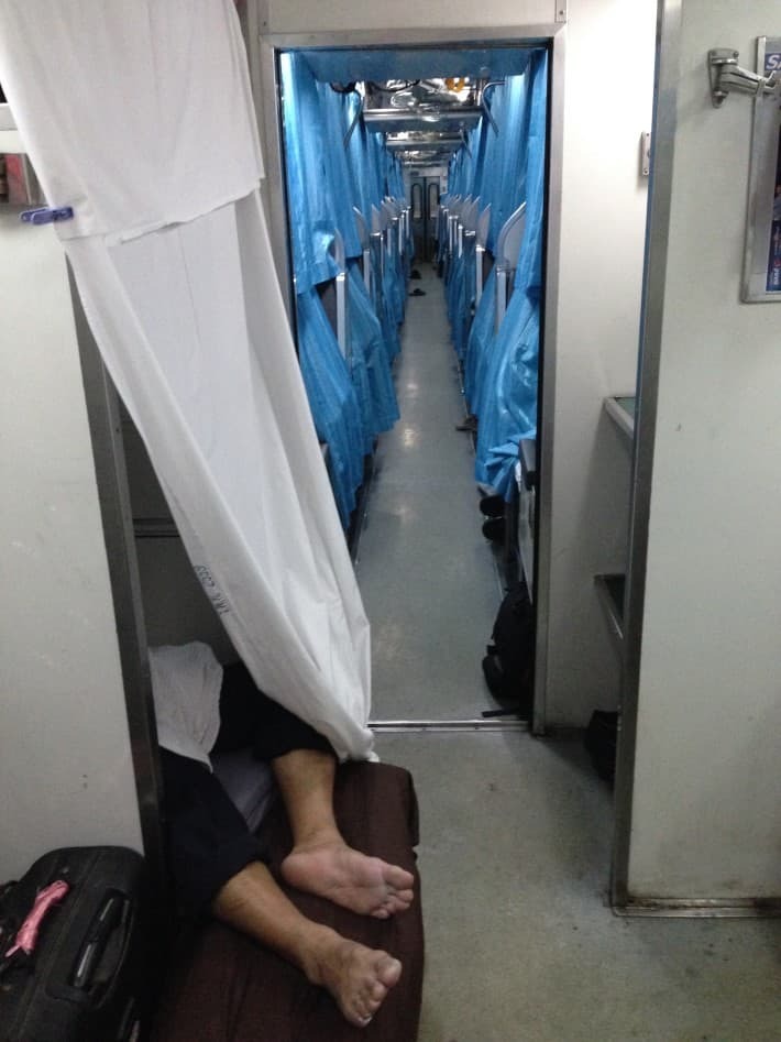 So schläft das Personal im Nachtzug von BKK nach Chiang Mai
