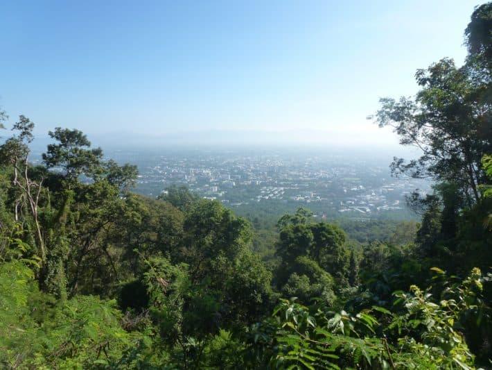 Von Kaffee, Tempeln, Palästen, Nudelmachern, Terracotta Garden und einer Walking Street