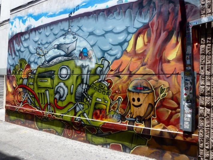 Streetart Perth im Mai 2017 Post, Roboter, Feuer, Wolken