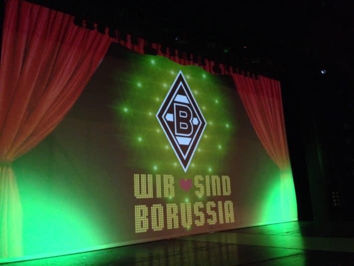 """Fohlenelf, Bühnenbild von """"Wir sind Borussia"""""""
