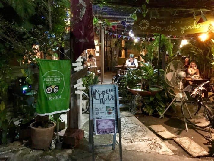 Garten vom Amrita Garden, Restaurant, vegan, glutenfrei, vegetarisch Essen