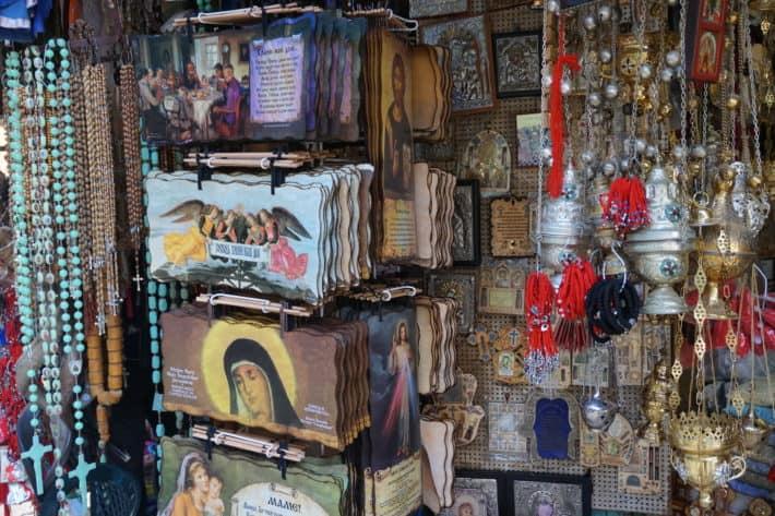 Devotionalien auf der Via Dolorosa