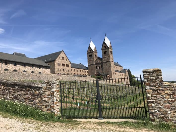 Rüdesheimer Hildegardweg, Abtei St. Hildegard, Kloster,Tor