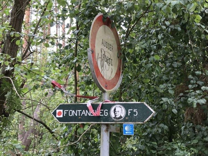 Wegweiser, Fontaneweg, Jakobsweg, Via Imperii